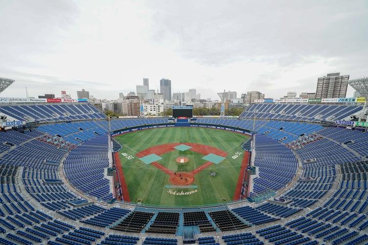 無観客で行なってきたプロ野球だが、10日から有観客試合となるため、今後はさらなる注意が必要となってくる。写真:山崎賢人(THE DIGEST写真部)