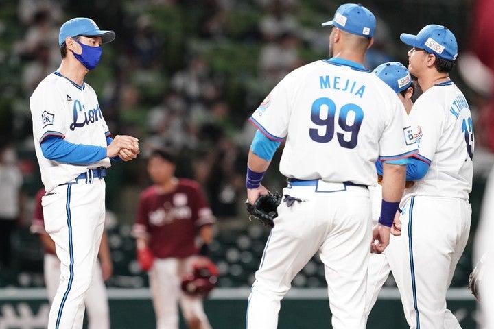 リーグ3連覇を目指す西武だが、ここまで借金6と低迷。状況を打開するためには思い切った手が必要だ。写真:滝川敏之