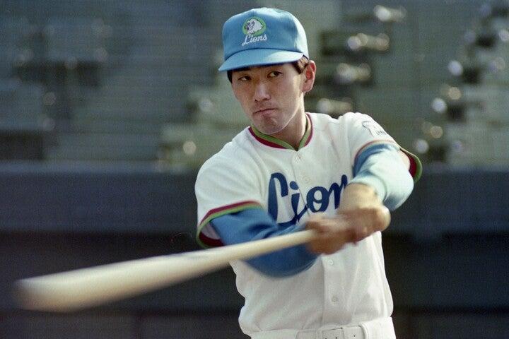 プロでは歴代5位の525本塁打をマークした清原。打撃タイトルとは無縁だったが、1986年に新人最多の31本塁打を放った。写真:産経新聞社