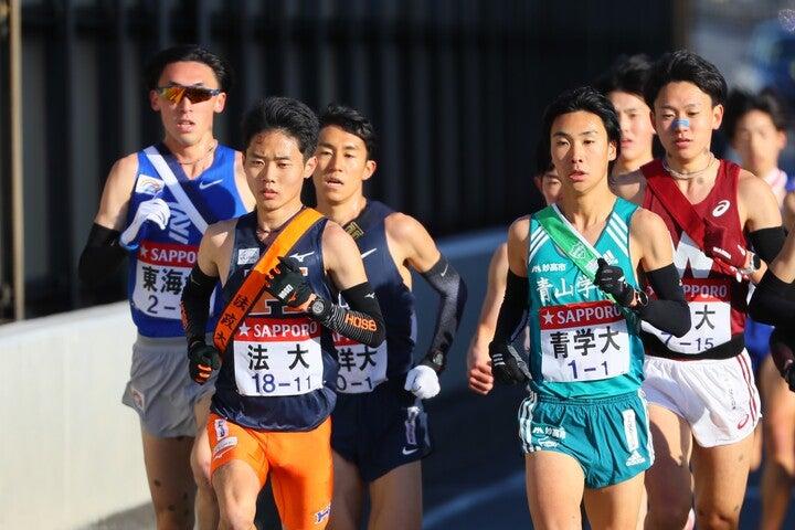 1区を走る選手たち。区間賞は法政大の鎌田航生が手にした。写真:JMPA
