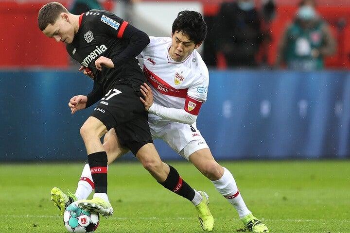 ドイツメディアは「遠藤はシュツットガルトの腕章を巻く次の外国人になるだろう」と期待を込めて綴った。(C)Getty Images