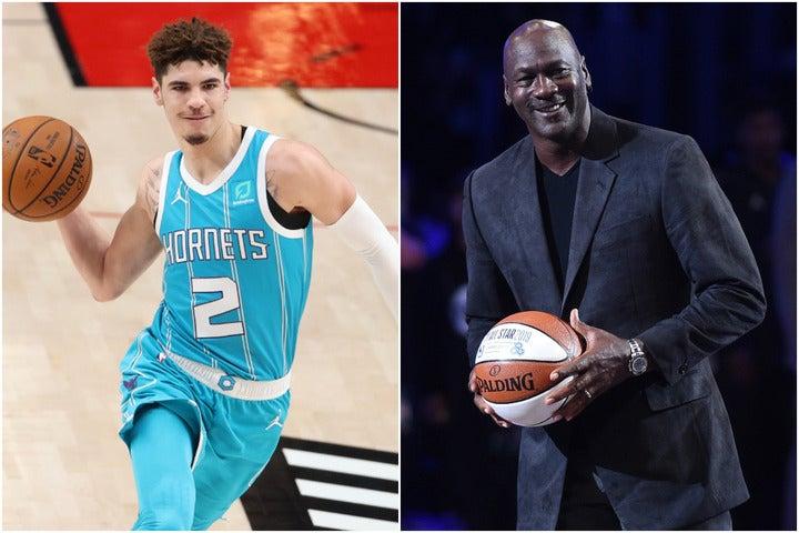 多くの人々がボール(左)を称賛。ホーネッツのオーナーを務めるジョーダン(右)もその1人だ。(C)Getty Images