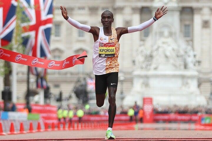 男子マラソンの世界記録を持つエリウド・キプチョゲ。非公式ながら2時間切りも達成している。(C)Getty Images