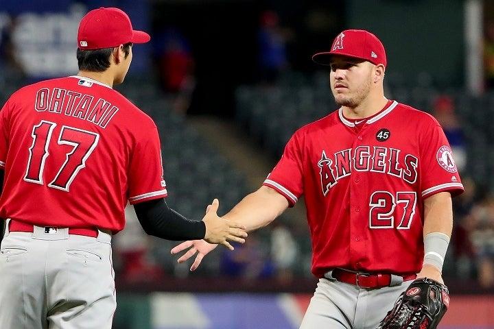 球界屈指の実力派であるトラウト(右)と大谷(左)。この二人の打棒がエンジェルスの鍵を握るのは言うまでもない。 (C) Getty Images