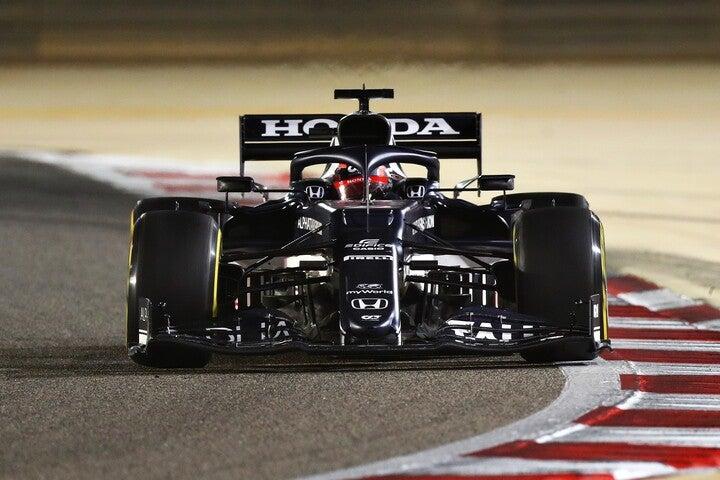 F1ルーキーの角田はデビュー戦で完走し、ポイントも獲得した。(C)Getty Images