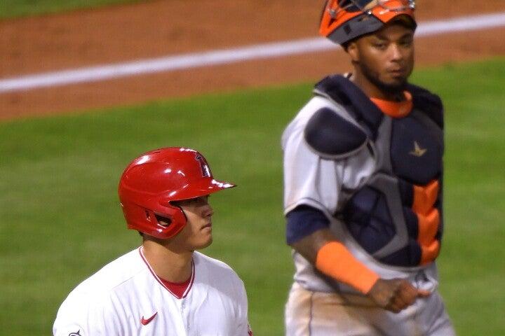 """大谷の""""元相棒""""マルドナード(右)が、死球後の振る舞いを見て思ったことは?(C)Getty Images"""