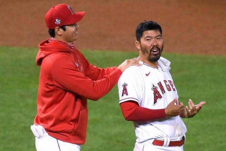 大谷(左)の才能を肌で感じたスズキ(右)。球界でも屈指の力を改めて褒めちぎった。(C) Getty Images