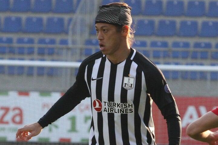 第24節でサバフに引き分けたネフチ。残り4試合で悲願のタイトルに貢献する本田のプレーに期待だ。(C)Neftçi Baku