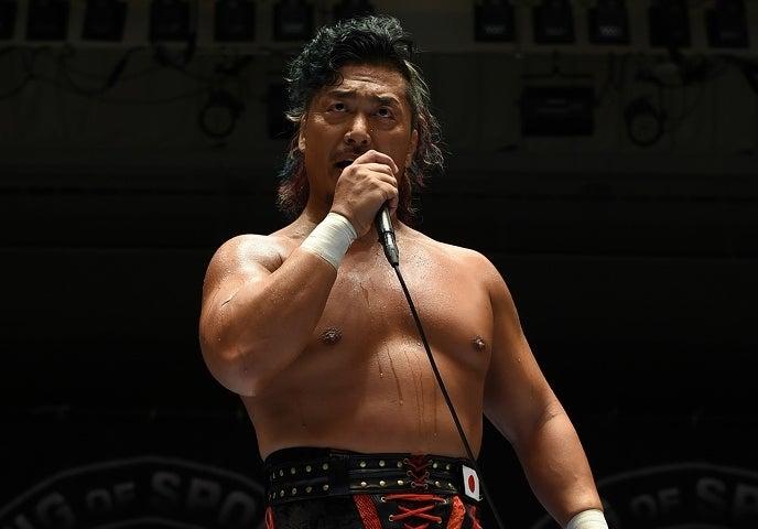 いつも以上に鬼気迫る表情で新日本への批判を口にした鷹木。この男の熱き想いは上層部に届くのだろうか。(C)新日本プロレス