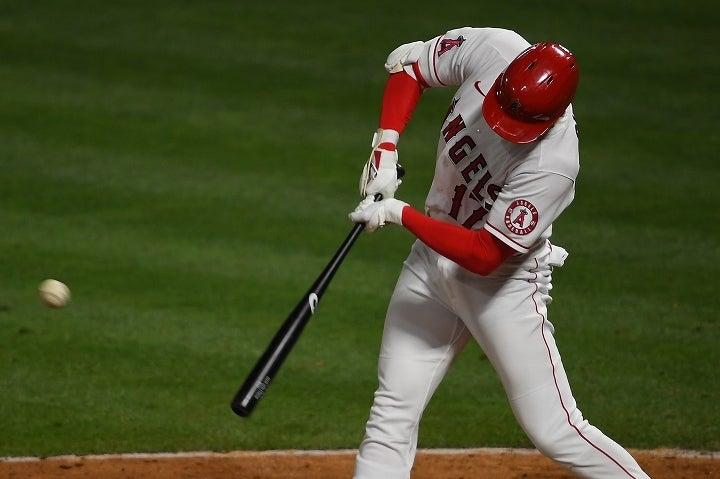 巧みなバットコントロールで厳しい内角へのボールもさばいた大谷への賛辞が止む気配はない。(C)Getty Images