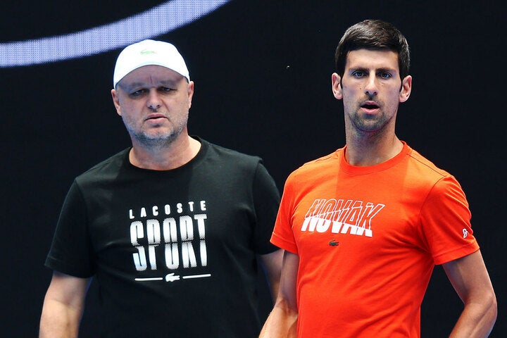 一時的に離れた期間はあったが、ジョコビッチ(右)を長らくサポートし続けているバイダ氏(左)。(C)Getty Imaes