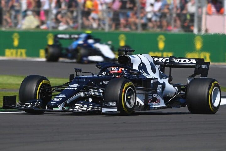 粘り強い走りでポイントを獲得した角田。ここ最近のレースでは安定感が増してきている。(C)Getty Images