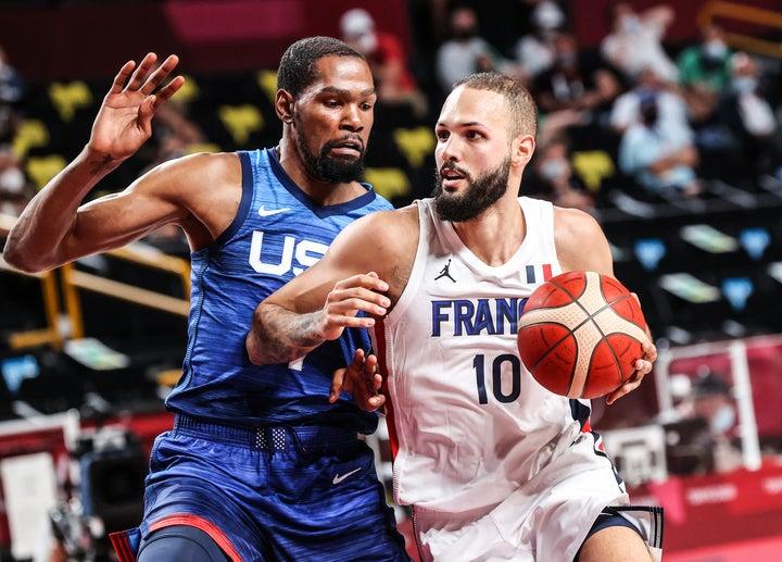 大会4連覇を目指すアメリカはフランスに敗れて黒星スタート。エースのデュラントは10得点に終わった。(C)Getty Images