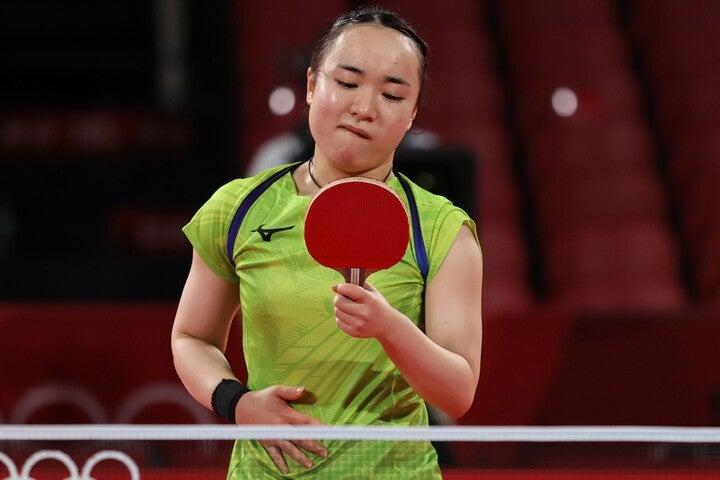 同い年のライバル孫にストレートで敗れた伊藤。日本卓球史上初のシングルス決勝進出はならなかった。(C)Getty Images