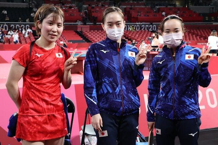 団体戦で初戦に続いて3-0で勝利した(左から)平野、石川、伊藤。写真:JMPA代表撮影