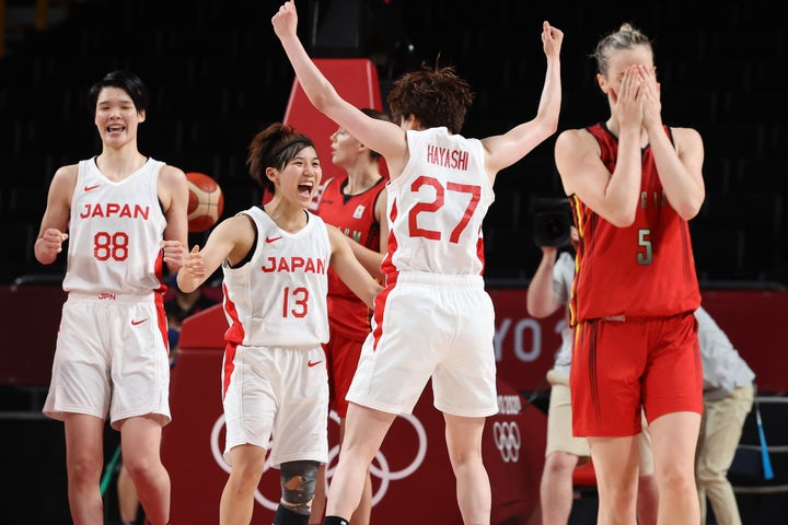女子バスケ史上初の五輪ベスト4を果たした日本。司令塔の町田は4試合連続2桁の14アシストを記録した。(C)Getty Images