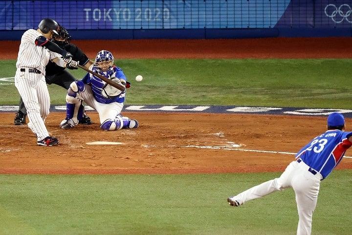 近藤が懸命に走って呼び込んだゲッツー崩れが逆転劇を呼び込んだ。(C)Getty Images