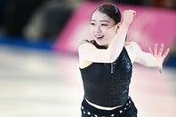 姉とのキレッキレダンスを披露した紀平。新シーズン開幕に迎えて意気が上がる。(C)JMPA