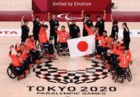 大会を通じて6勝をあげ、パラリンピック初の銀メダルを獲得した車いすバスケットボール男子代表。(C)Getty Images