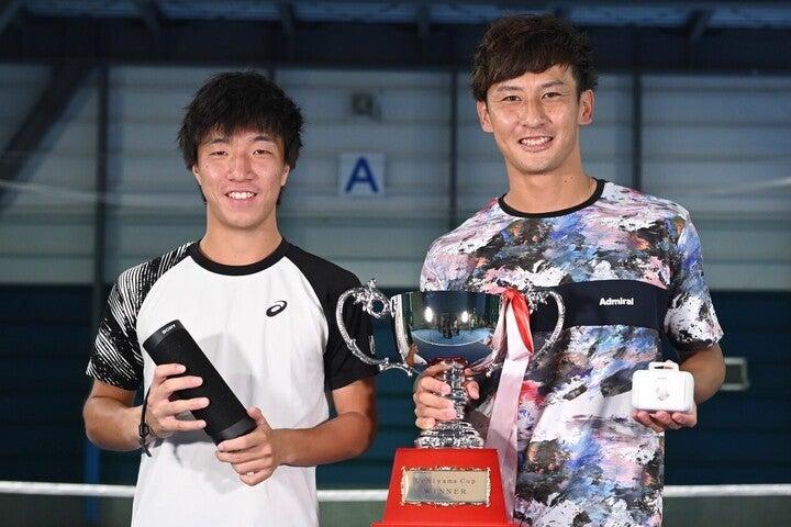 初代チャンピオンに輝いたのはプロデビュー2年目の島袋将。(C)長浜功明/Uchiyama Cup