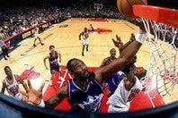 1997、98年に2年連続でファイナルに勝ち進んだが、ジョーダン率いるブルズの前に敗れ、優勝はならなかった。(C)Getty Images