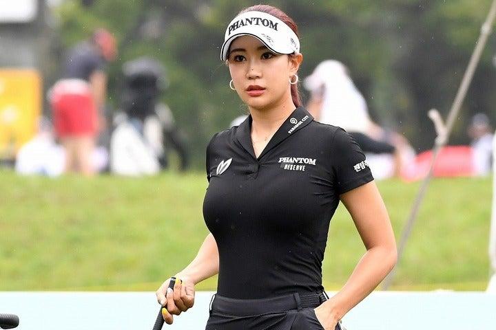 いまや韓国ではインフルエンサーのひとりに数えられるユ・ヒョンジュ。スポンサーから引く手数多だが、肝心のゴルフのほうは……。(C)AFLO