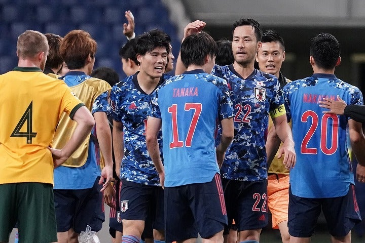 田中(17番)の一撃もあってオーストラリアに辛勝を飾った日本。そのパフォーマンスを相手メディアはどう見たのか。(C)Getty Images