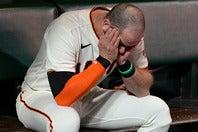 どうにも後味の悪い敗戦に肩を落とすジャイアンツのロンゴリア。(C)Getty Images