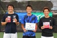 男子シングルスで入賞した3人。左から伊藤竜馬(準優勝)、今井慎太郎(優勝)、関口周一(3位)。写真=THE DIGEST写真部